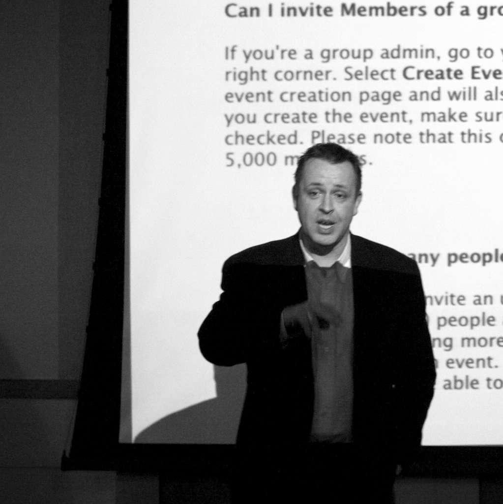 Cormac O Kelly giving a class on digital marketing.